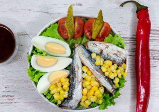 Hot fish salata Fit stop dostava