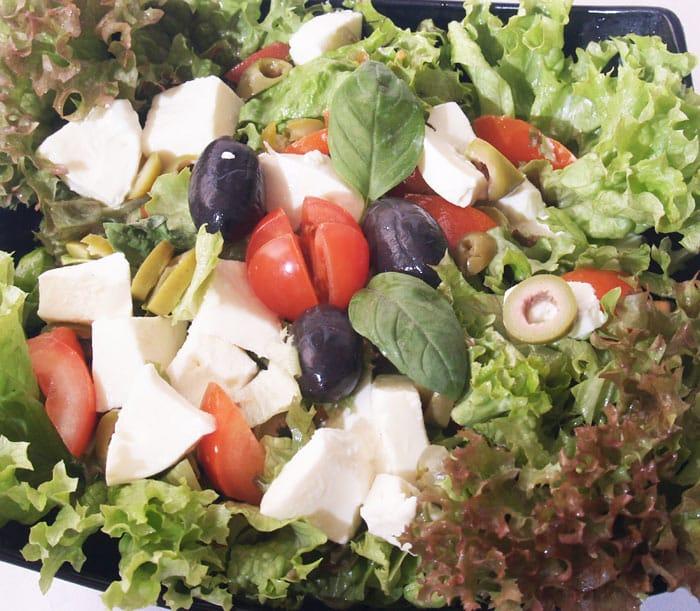 Kapreze obrok salata dostava