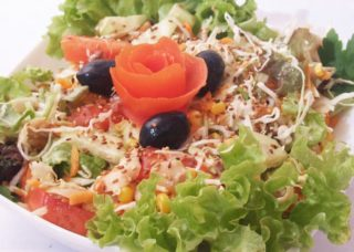 Vegetarian meal salad delivery