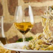 Pasta Funghi al vino bianco
