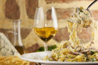 Pasta Funghi al vino bianco delivery