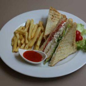 Sandwich with chicken300 RSD.
