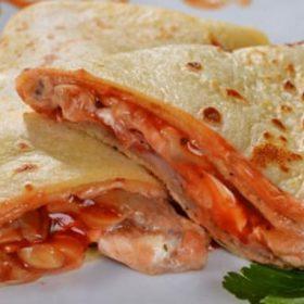 8.Palačinka grilovana piletina, pavlaka, kačkavalj, grilovane pečurke dostava