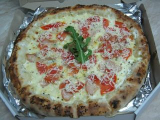 Chicken pizza Castello Bianco delivery