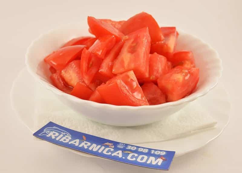 Tomato salad delivery