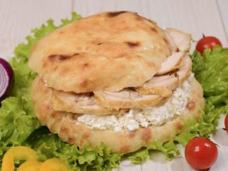 Shepherd's bun with rolled chicken and cheese Čobanov odmor delivery