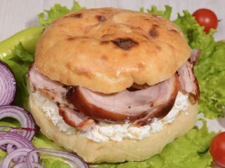 Shepherd's bun with rolled pork and cheese Čobanov odmor delivery