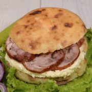 Shepherd's bun with rolled veal and kaymak