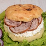 Shepherd's bun with rolled veal and cheese