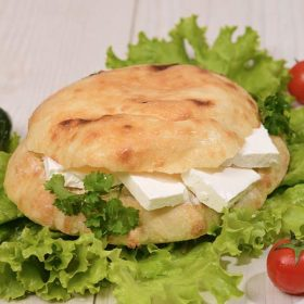 Shepherd's bun with cheese