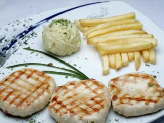 Grilled chicken medallions Golub picerija delivery