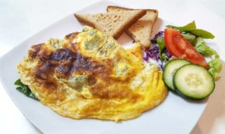 Omelet with feta cheese and spinach Garden food & bar delivery