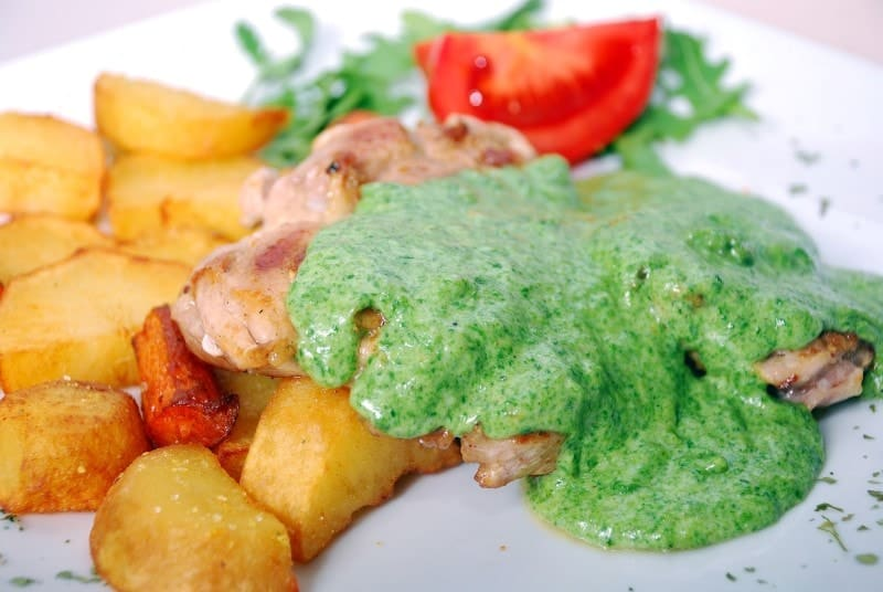 Chicken drumstick with spinach sauce delivery