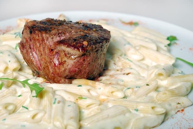 Biftek sa gorgonzolom dostava