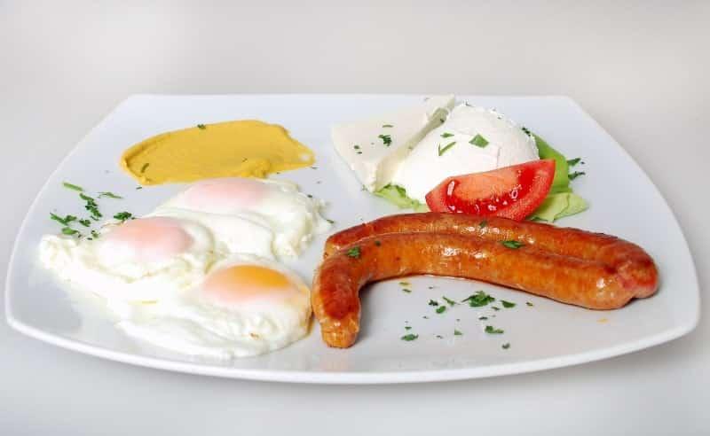 Three eggs, sour cream, feta cheese, bacon, kulen, tomato delivery