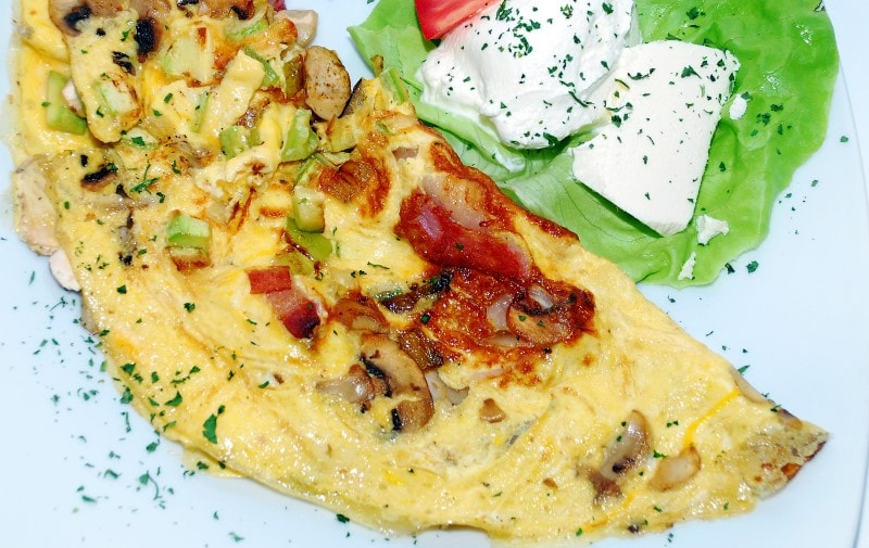 Omelet with bacon and vegetables delivery