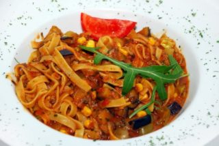 Tagliatelle with vegetables delivery