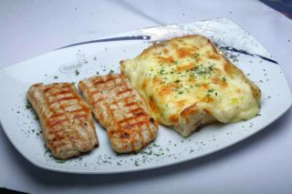 Turkey fillet with pastry delivery