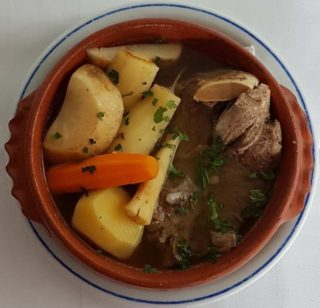 Veal in soup with vegetables Don Gedža delivery
