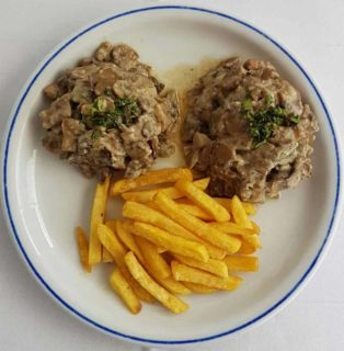 Medallions with mushrooms Don Gedža delivery
