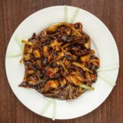Piletina sa bambusom, kineskim pečurkama i povrćem