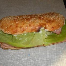 Beli sendvič