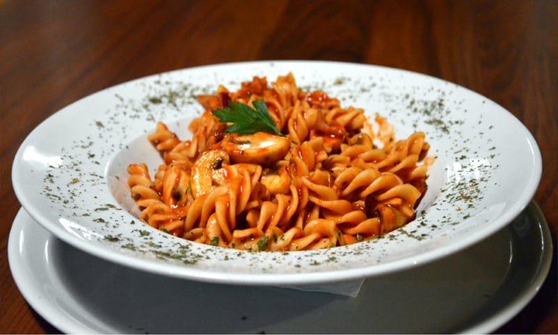 Pomodoro rosso pasta dostava