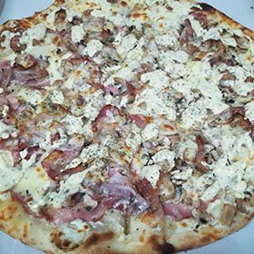 Carbonara pizza