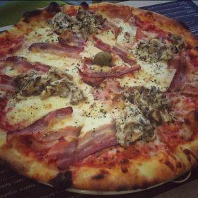 Pavone pizza