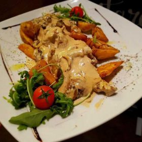 Chicken in gorgonzola sauce