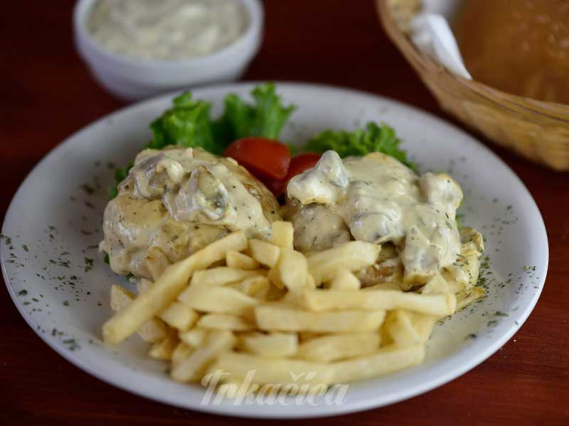 Chicken medalions with mushrooms delivery