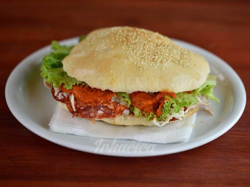 Trkacica sandwich delivery