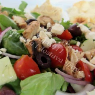 Greek salad with chicken delivery
