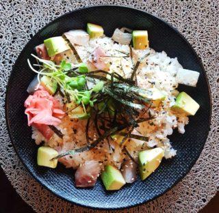 Chirashi Zushi orada Fine Sushi Bar dostava