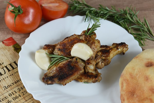 Chicken wings with rosemary and garlic delivery