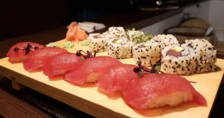 Maguro set Fine Sushi Bar delivery