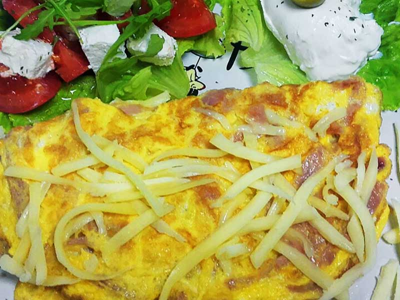 Omelet with ham delivery