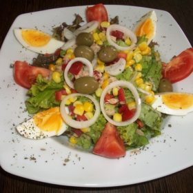 Mediteran salata dostava