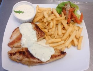 Chicken fillet in gorgonzola sauce delivery