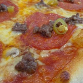 Meat&species pizza dostava
