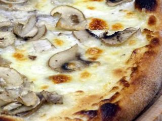 White mushroom pizza delivery