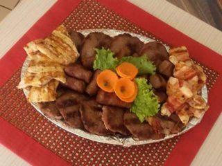Oval mešanog mesa dostava