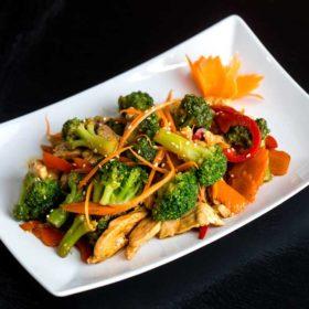 Piletina sa brokolijem dostava