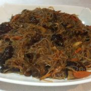 Rice noodles with veal