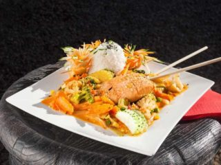 Spicy salmon in red curry + rice dostava