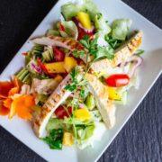 Mango salata sa piletinom