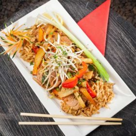 Pad Thai chicken delivery