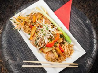 Pad Thai piletina Thai Zone dostava