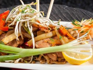 Pad Thai pork dostava