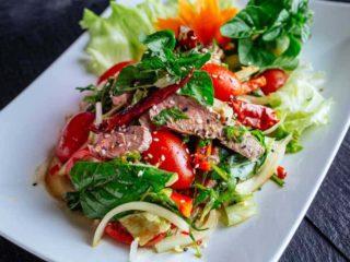 Nam Tok biftek salata dostava